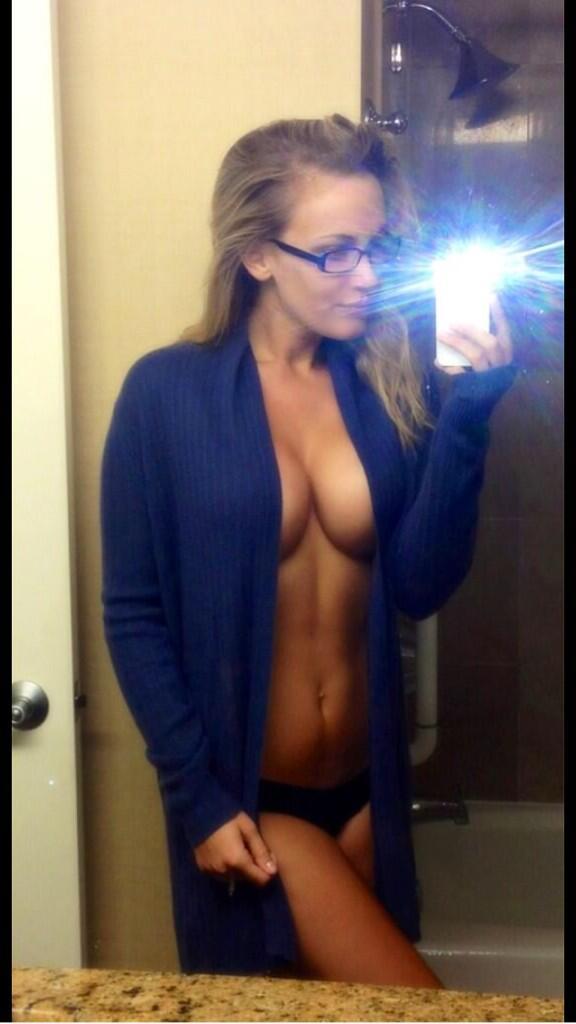 "Jenni Lynn  - <a href=""/se twitter @Jenni_Burns friskyfriday,fbf"