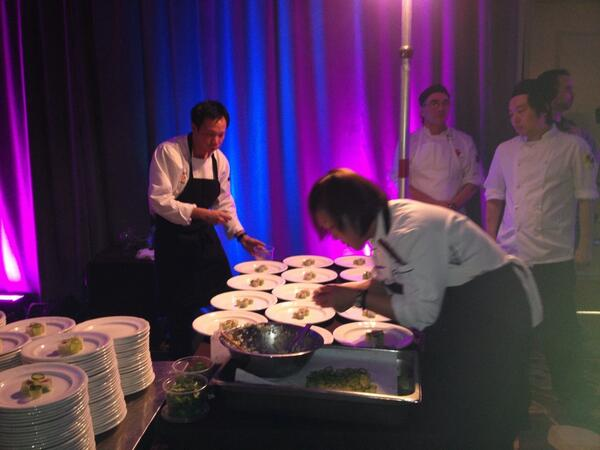 #ccc2014 @HotelArtsYYC Chef Duncan Ly plating 4 wine/food pairing challenge http://t.co/OjadjJzATm