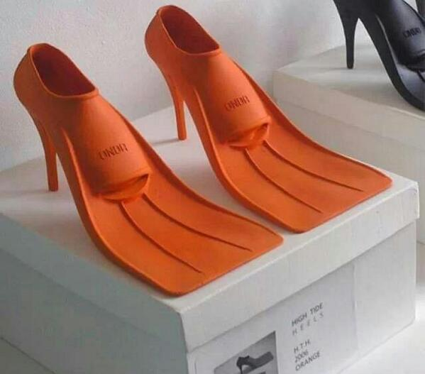 Having found the perfect wellies the other day, I now give you.....  Evening wear for #cornwallstorm http://t.co/TlIVIAse2Y
