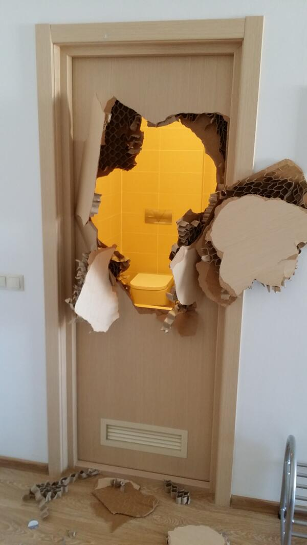 Thumbnail for U.S. bobsledder Johnny Quinn trapped in bathroom, breaks door to escape