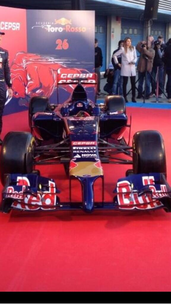 New Torro Rosso f1 is the worst yet!! Are the mechanics gonna draw straws to see who polishes the nose??