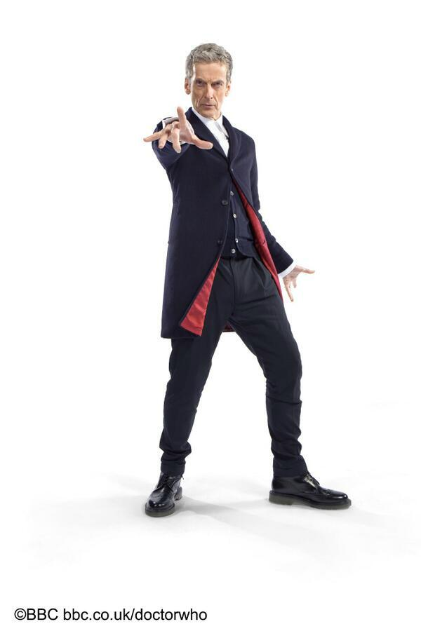 First look at Peter Capaldi in his new @bbcdoctorwho costume. He is wearing @drmartens #trendytimelord http://t.co/IClCuP6fLn