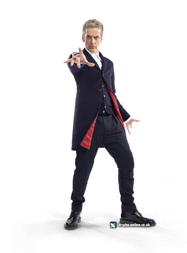 There you go! The 12th Doctor's Costume, FINALLY revealed! http://t.co/VRlHVXaGGf - http://t.co/lc9ZrfM48I