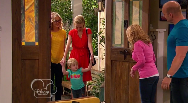 #DisneyChannel's #GoodLuckCharlie introduces the network's first openly gay couple: http://t.co/xGkrchJIhf #NOH8 http://t.co/j8zy8KgKVw