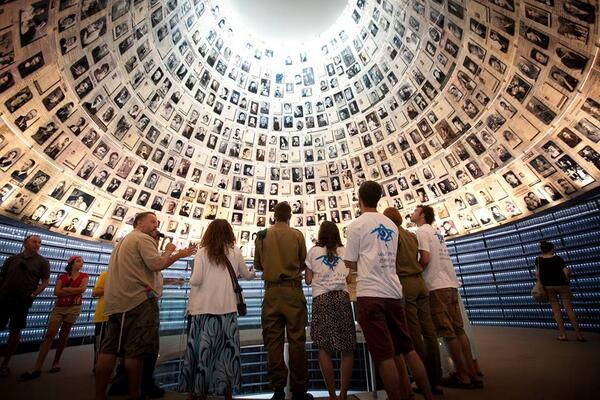 Today, Jan. 27, is International Holocaust Remembrance Day,  designated by The UN General Assembly. #NeverForget #HRD http://t.co/QQIP3U96Pd