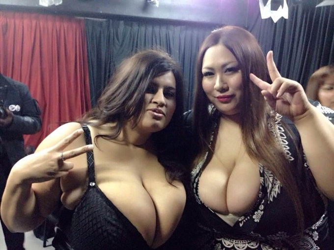 Hanging out with a gorgeous Japanese BBW Masaki Amamiya at an event, had lots of fun :-) http://t.co