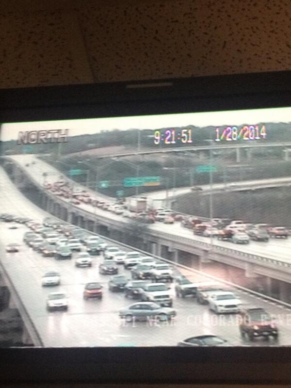 What a mess on Mopac near downtown exits! Traffic not moving and some vehicles sliding through icy patches http://t.co/lmk1b9w1y2