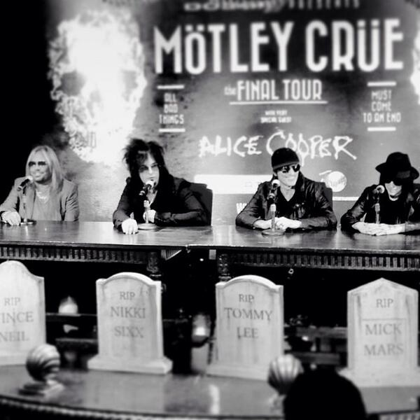 #RIPMotleyCrue  It's been a great 33 years.  Love you guys. http://t.co/p3EZz95NvH