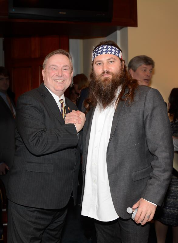 I stand with Duck Dynasty! Chatted with Willie Robertson today. @williebosshog http://t.co/XiD6RdI3NH