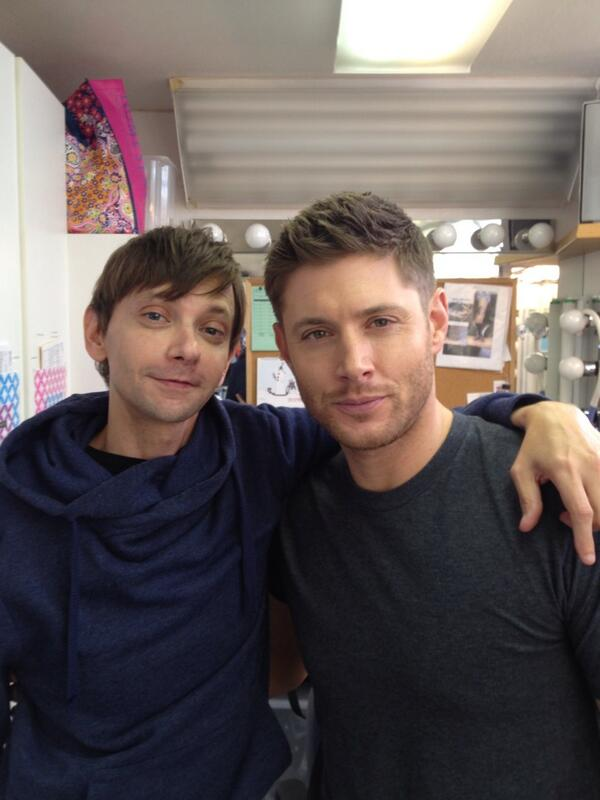 dj qualls on twitter quotthis is how small my head is next