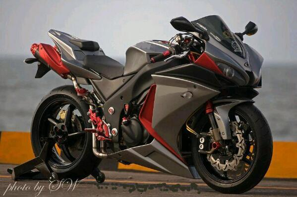 Spider Man On Twitter SuperbikePorn Yamaha R1 Modified Superbikeporn Tco SavEDGgtrt