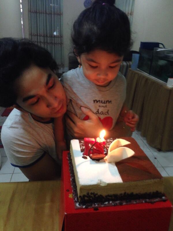 Happy birthdaaaay Papa Amec...
