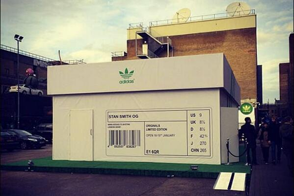Adidas opens a new store made out of a giant shoebox: http://t.co/xMTm35FdM3 | http://t.co/SLRQtv01Xl