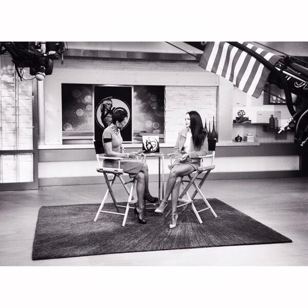 live from @GMA: @Rihanna talks @MACcosmetics'#VIVAGLAM - http://t.co/OYvLiHGijf