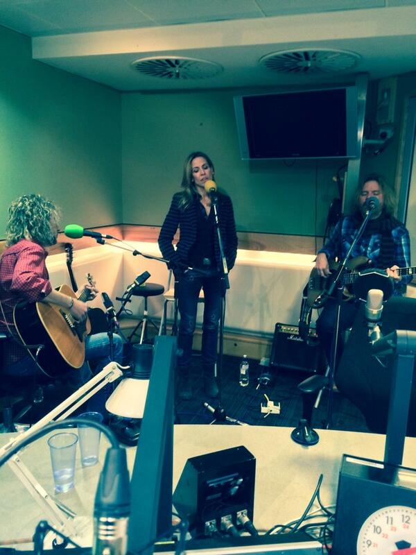 Yesterday had a great time on air w @simonmayo at the BBC Radio 2: Sheryl and the boys http://t.co/qrmuaA6tgw