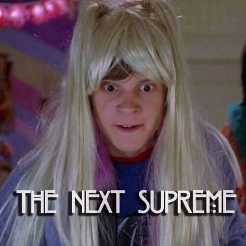 I KNOW WHO THE SUPREME IS #AHSCoven #AmericanHorrorStory http://t.co/fkP2iIOXlS