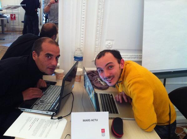 La présentation des équipes ;) On commence avec @marsactu composée de @jvinzent et Francois Bourjault #hdm14 http://t.co/bVpt8G3jYp
