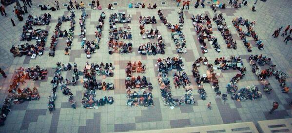 """@islamicfreedom: Support from MALAYSIA for SYRIA and GAZA. we LOVE♥ you.  #PrayForGaza  #PrayForSyria http://t.co/fy8A9BixCR"""