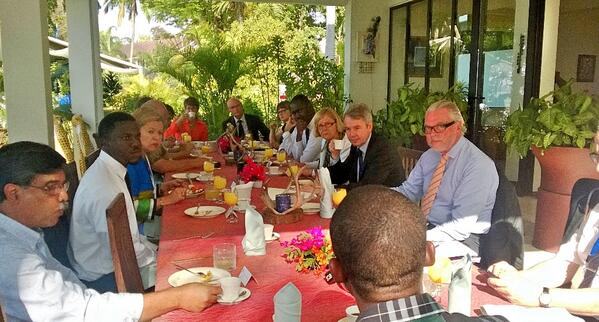 Minister @Haavisto had a breakfast meeting & exchange with Civil Society, researchers & Nordic Ambassadors. http://t.co/SXJCEW3Ebg