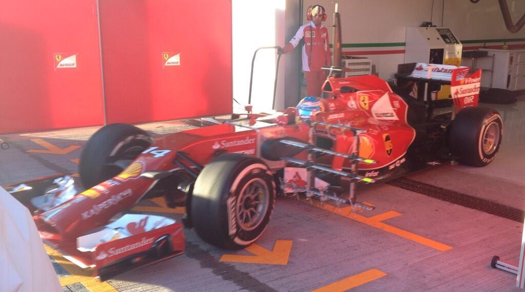 Alonso con la Ferrari F14 T a Jerez