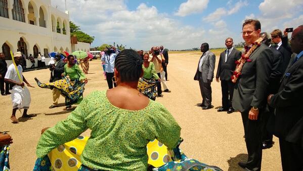 Warm welcome to Prime Minister #Katainen in Zanzibar http://t.co/tDVKHXkE2t http://t.co/sh6VuvklFH