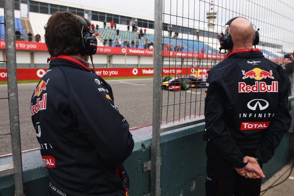 Ricciardo con la Red Bull RB10 a Jerez