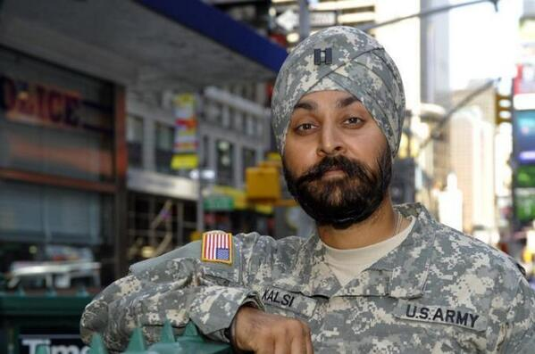 A Sikh U.S. Army Captain in his newly-approved uniform: http://t.co/6N2xlF80jS http://t.co/LWYXudWFul