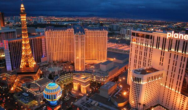 Love this place... #vegas #sincity http://t.co/To3RjHkERE