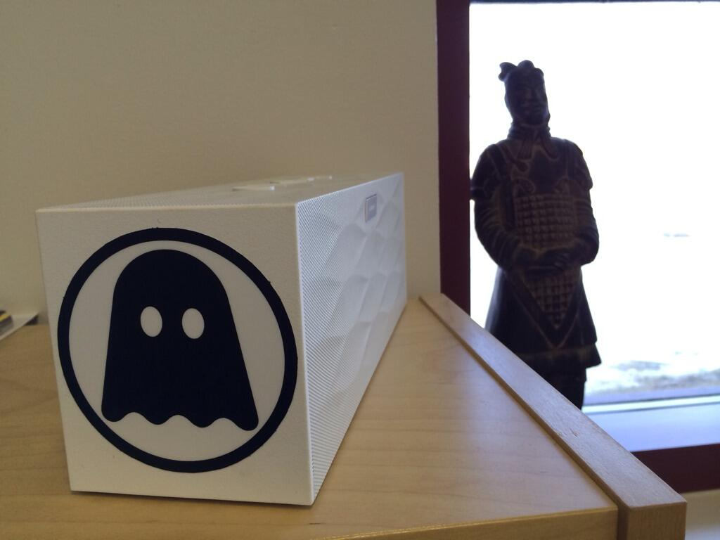 @ghostly @Jawbone  1 Ghostly sticker + 1 Big Jambox= Ghostly Jambox! Lovely, eh? http://t.co/4ussnRTna8