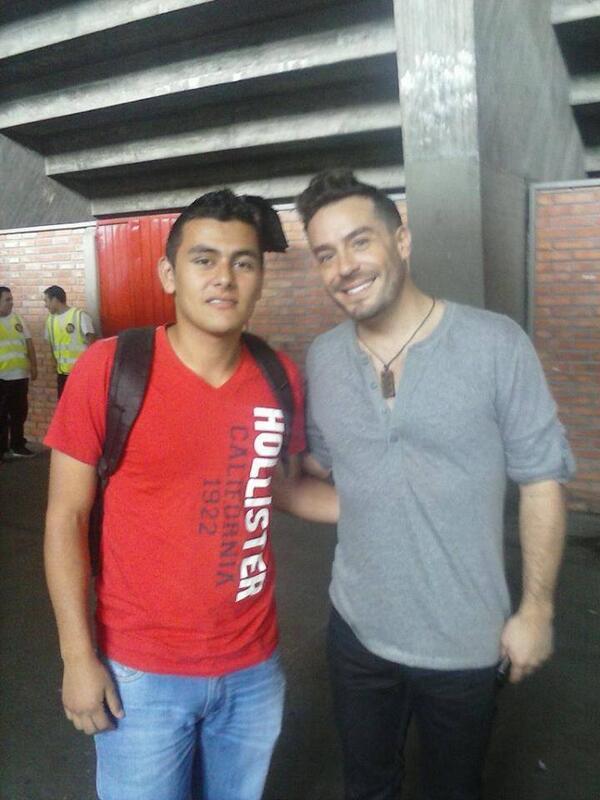 Con El Amigo @espinosajuanpa en La Convocatoria de Pereira De @IdolColombia http://t.co/lLKE2zRpO2