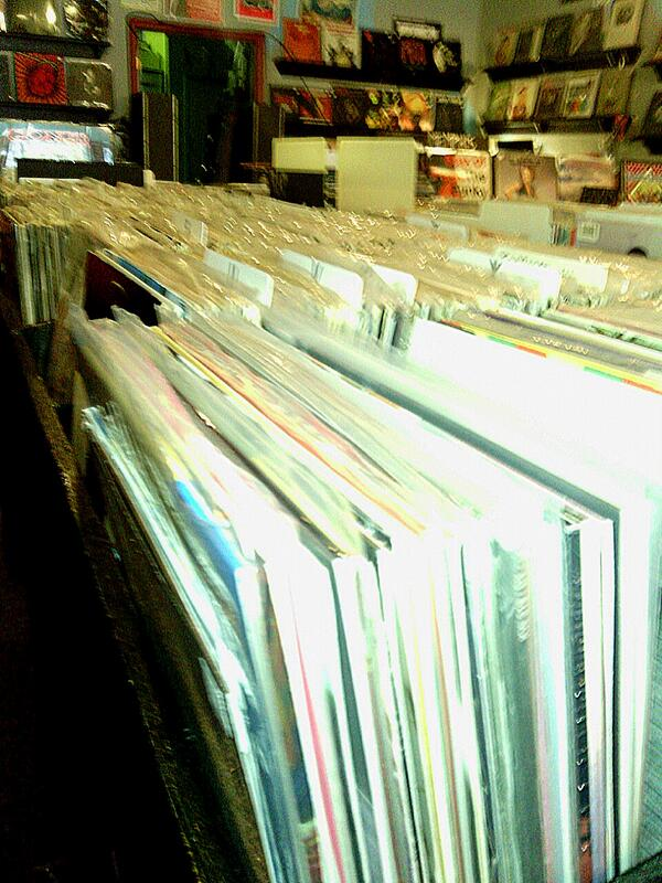 Lusting for vinyl? Get your fix at Goner Records, 2152 Young Ave. #cymicro http://t.co/KHEhTqQJ5m
