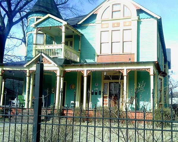 This colorful home can be spotted @ 2100 Young Ave. Its Victorian style stands out from Midtown bungalows. #cymicro http://t.co/Sf9AfmrGBG