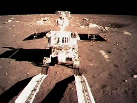 """La Cina vuole """"vederci chiaro"""" sul lato oscuro della Luna con una missione spaziale."""