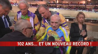 """A huge congrats to Mr. Robert Marchand as he breaks (his own record) the hour record at 102yrs 26,9km http://t.co/CLi09tUc9p"""" #unbelievable"""
