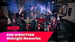 One Direction -Midnight Memories We're refreshing, not replaying. #MidnightMemoriesMusicVideo https://t.co/WwfBQFZXWY http://t.co/i69kVezilf
