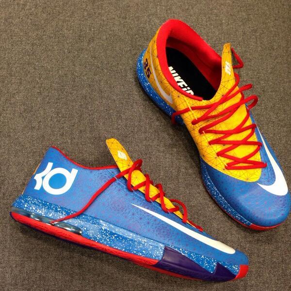 Kevin Durant En Twitter Esta Para Noche Es Nikeidpe Zapatos Para Esta La e9060d