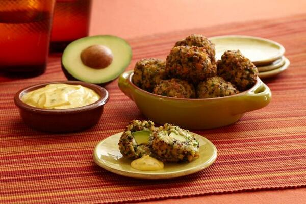 #RECIPE: Crunchy Avocado Quinoa Fritters made with @CA_Avocados . . . https://t.co/0rFpJKV2q5 http://t.co/GMyGW8L05x
