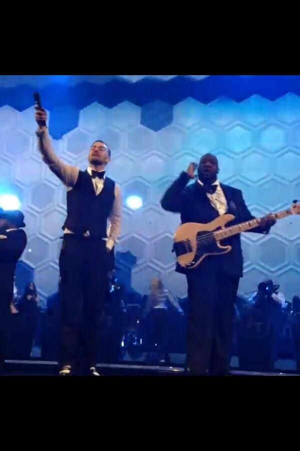 HappyBDay S/O to my boss, DaPrez @jtimberlake !!! Much love my bro ! Lets continue to ROCK ON the #TNKids way! http://t.co/eTLvA7a5cj