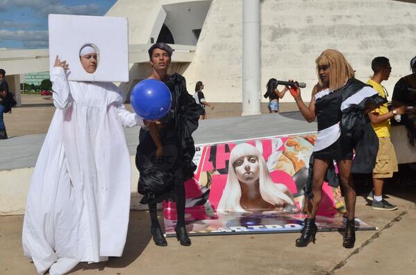 #Fotos: Protesto em Brasília contra bullying e homofobia http://t.co/4pjHv6OYZI http://t.co/LTwZ6pmkgd