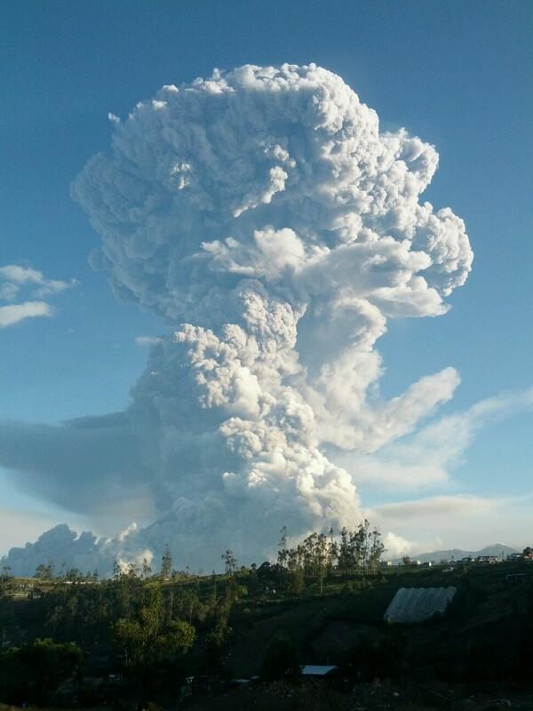 Ecuador incremento de la actividad del volcán Tungurahua. Situación de Emergencia  BfbJwdsCcAAUwox