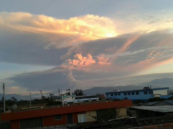 Ecuador incremento de la actividad del volcán Tungurahua. Situación de Emergencia  BfbVYPiCAAAdkhI