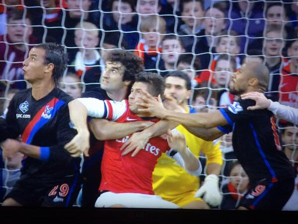@premierleague not a foul, eh?  http://t.co/2zHCaMIwLL