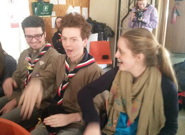 Noah, Lottie & Ben showing off their dance moves to the Jamboree song #gln #Japan2015 http://t.co/pmIKU4SU4O