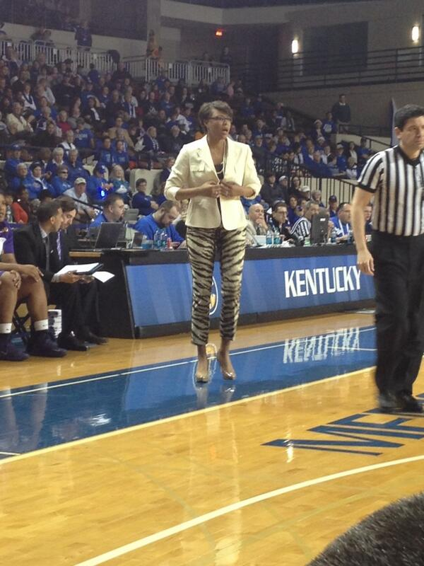 LSU head coach Nikki Caldwell brought out the tiger-print pants today: http://t.co/8ptv9Fi3BV