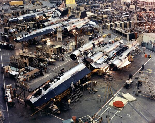 """""""The SR-71 factory floor looks like the Rebel base from Star Wars""""  via http://t.co/nio9JUfYlE http://t.co/u795xl1aEQ"""