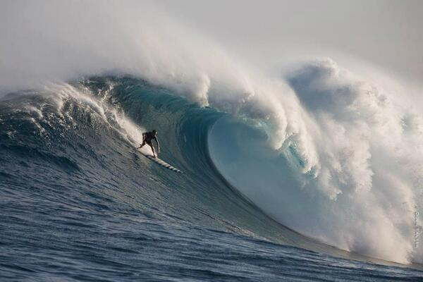 #ff #dawnpatrol rt @waterinstinct1 Jaws paddle in... By Doug Falter http://t.co/b2FBkAbPQw
