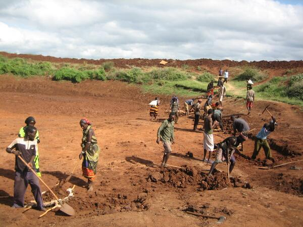 In Ethiopia, our work in 2013 helped 14,000 Ethiopians recover from #drought:   #ResilienceSunday http://t.co/o9ZRL0rMYm