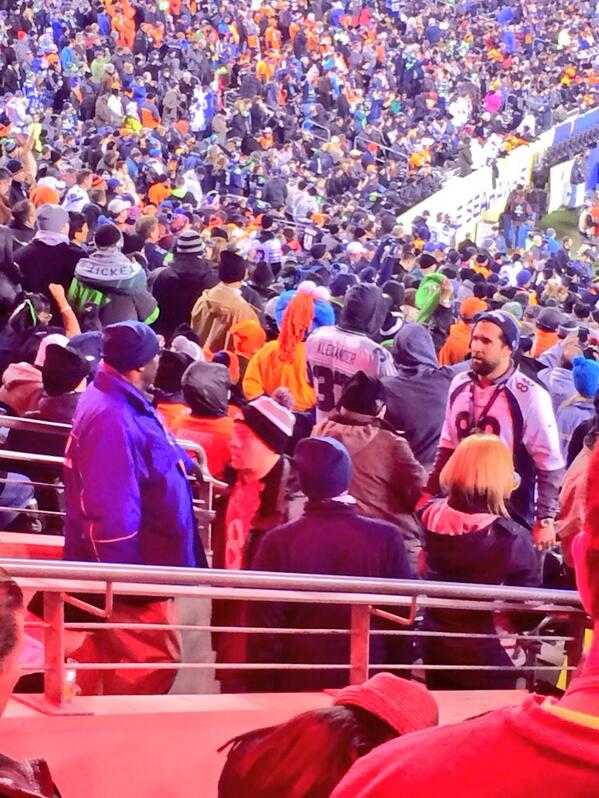 Don't blame 'em. RT @benjamineagle: Broncos fans leaving with 2:58 left in the third quarter #SIatSB48 http://t.co/DuZYvqXtw6