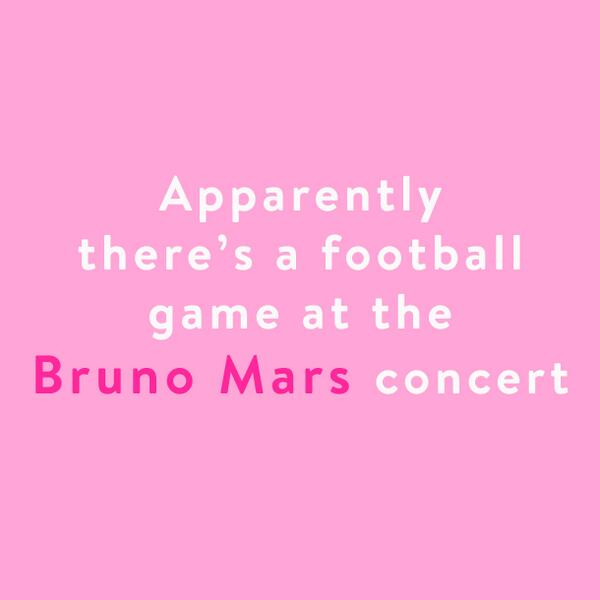 Apparently there's a football game at the Bruno Mars concert! #superbowl http://t.co/tlQcXTXRQs