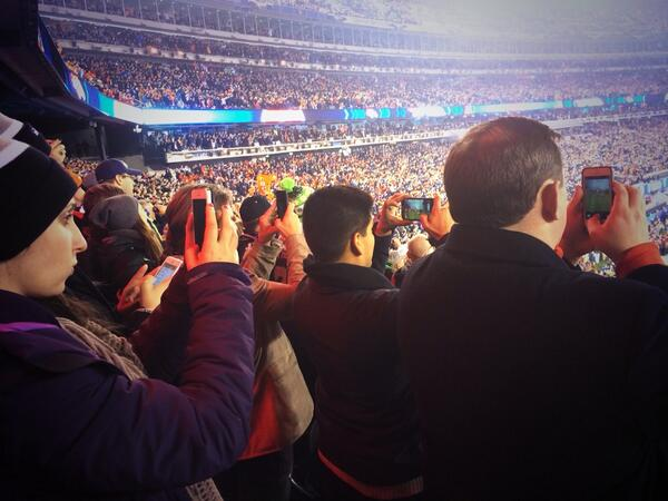 More fans watching this game w their phones than their eyes. #SuperBowl http://t.co/fDX848GFN0